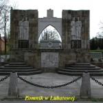 Pomnik-16P